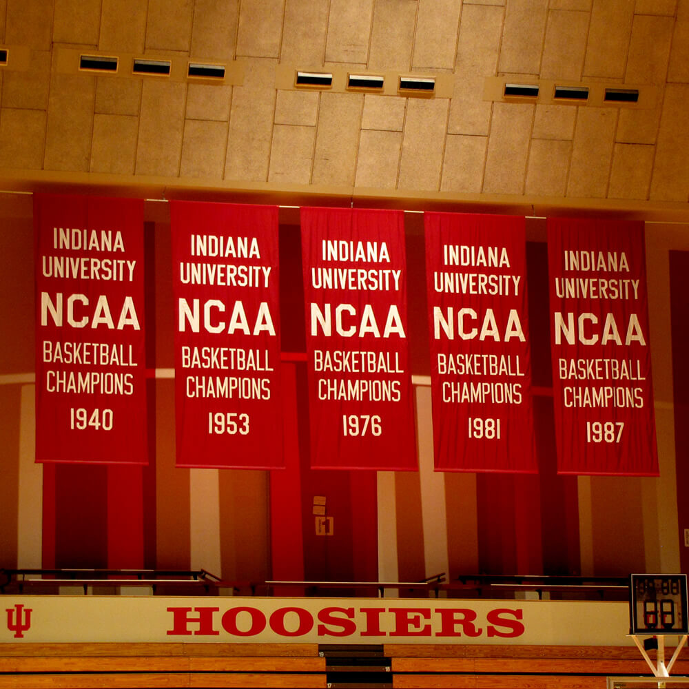 Championship Banners by DottieDay on Flickr under CC BY 2.0 - (flickr.com/photos/dottieday/4658145906)